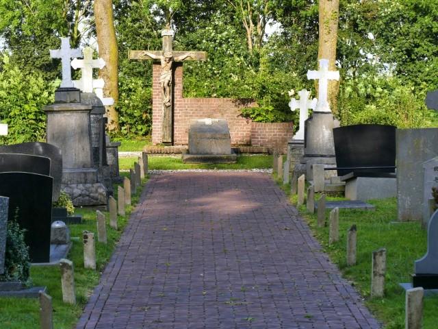 Kerkhof Roodhuis (4)