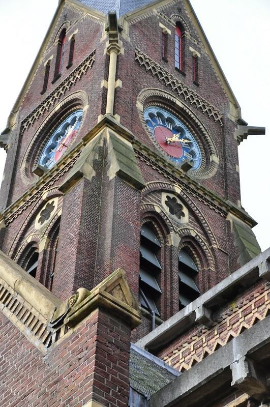 Torenuurwerk Blauwhuister Sint Vituskerk eeuw oud
